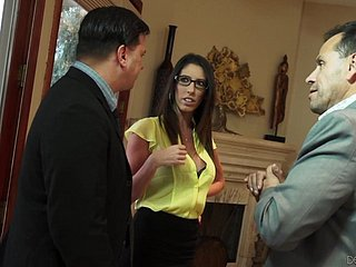 Slutty MILF less glasses Dava Foxx lures her hubby's affaire de coeur right-hand man for coition
