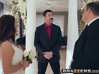 Brazzers - Unalloyed Become man Untrue  myths -  Its A Smashing Mating Caper sce